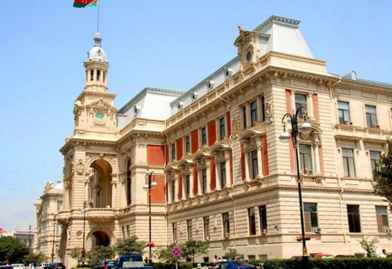 ИВ Баку закупает коммунальную технику на 10 млн манатов