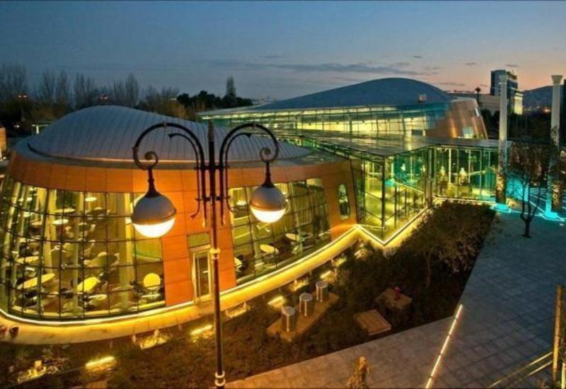 История азербайджанского оперного искусства – трансляция из Международного центра мугама