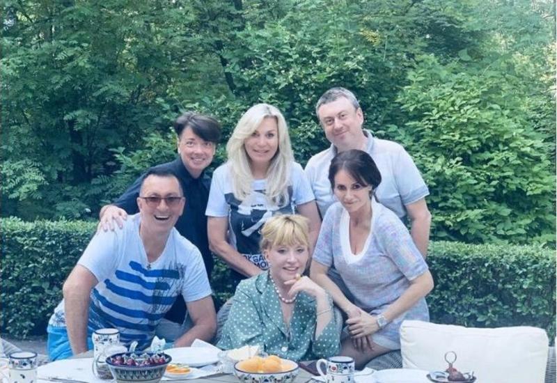 Алла Пугачева продолжает восхищать поклонников помолодевшим видом