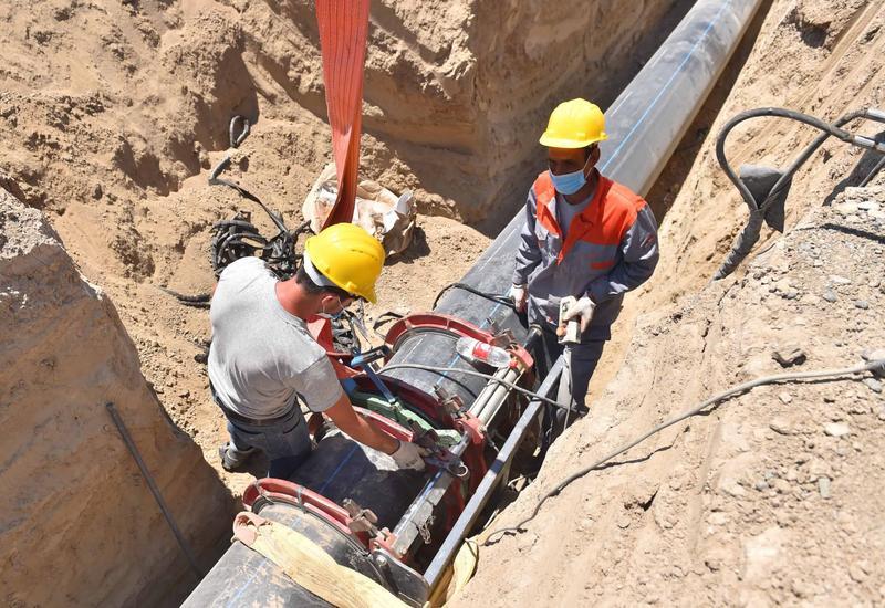 В Нефтчалу проводится новый магистральный водопрод