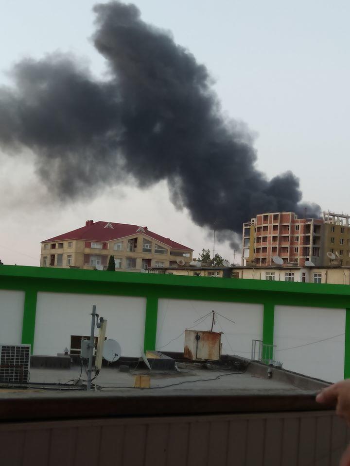 Пожар на фабрике по производству красок в Баку потушен