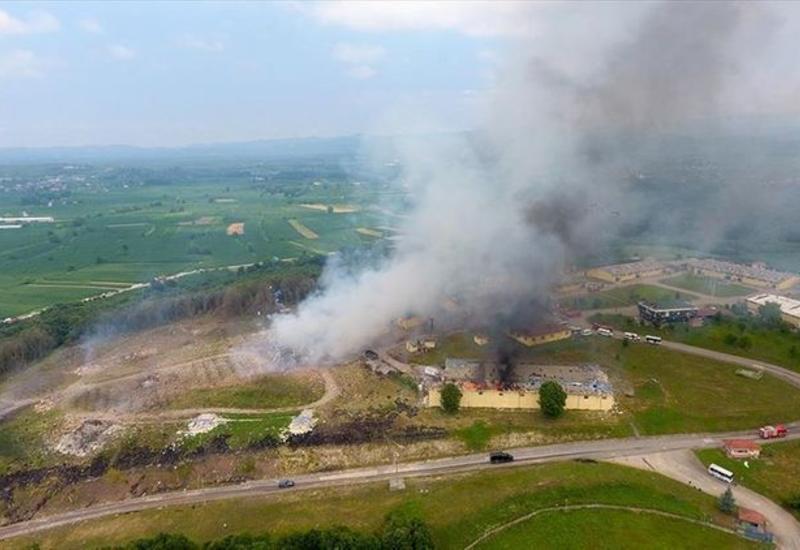 По делу о взрыве на фабрике фейерверков в Турции задержаны три человека