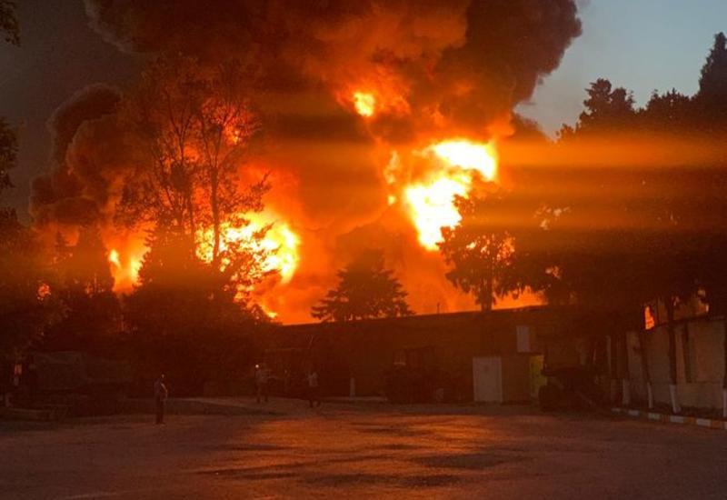Опубликованы кадры страшного пожара в Баку