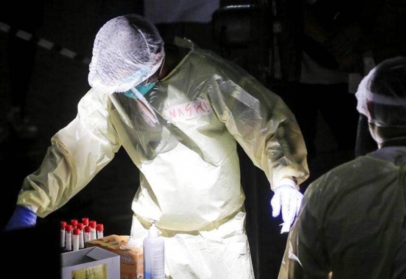 США вновь бьют антирекорды: число заразившихся COVID-19 за сутки составило 57 497