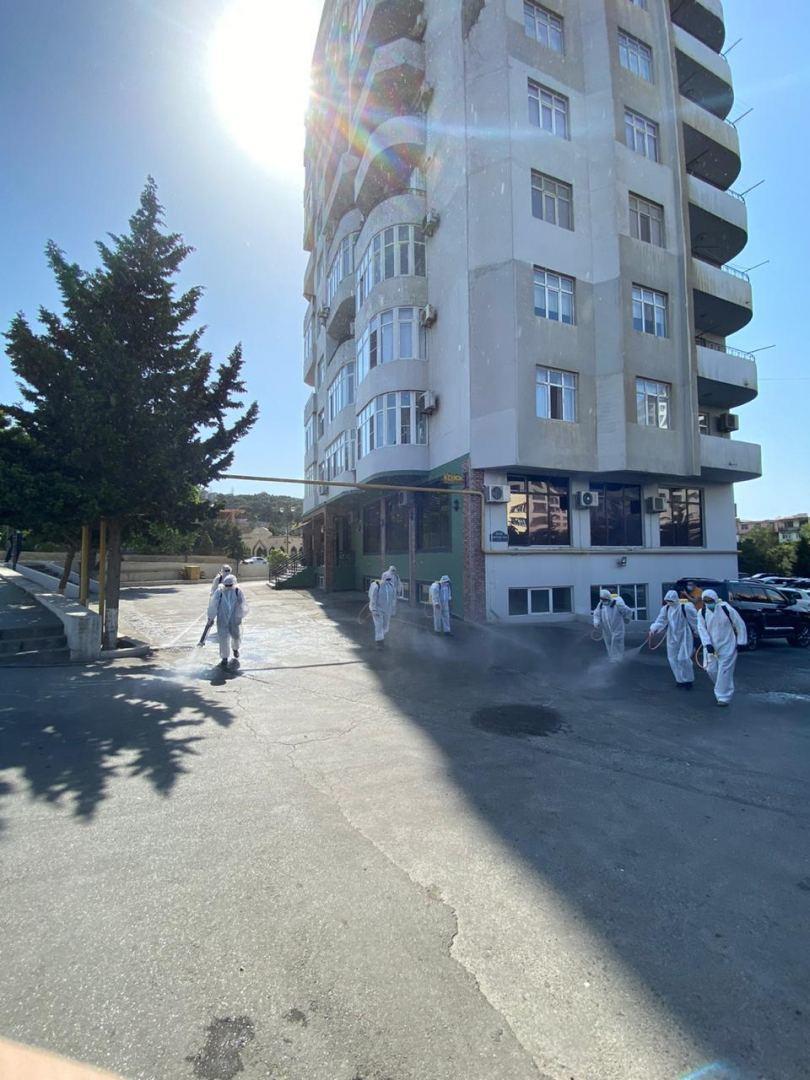 На 450 улицах и проспектах Баку проводится усиленная дезинфекция