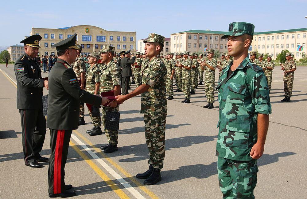 В войсках Нахчыванского гарнизона состоялась церемония выпуска