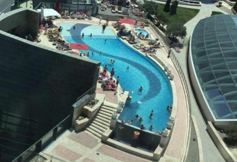 Известный отель в Баку грубо нарушил правила карантина