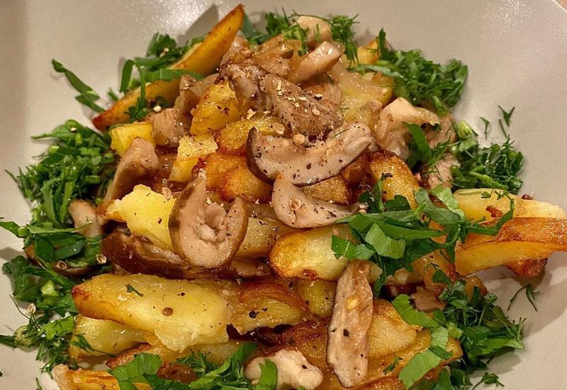 Рецепт жареной картошки с белыми грибами от Анны Нетребко
