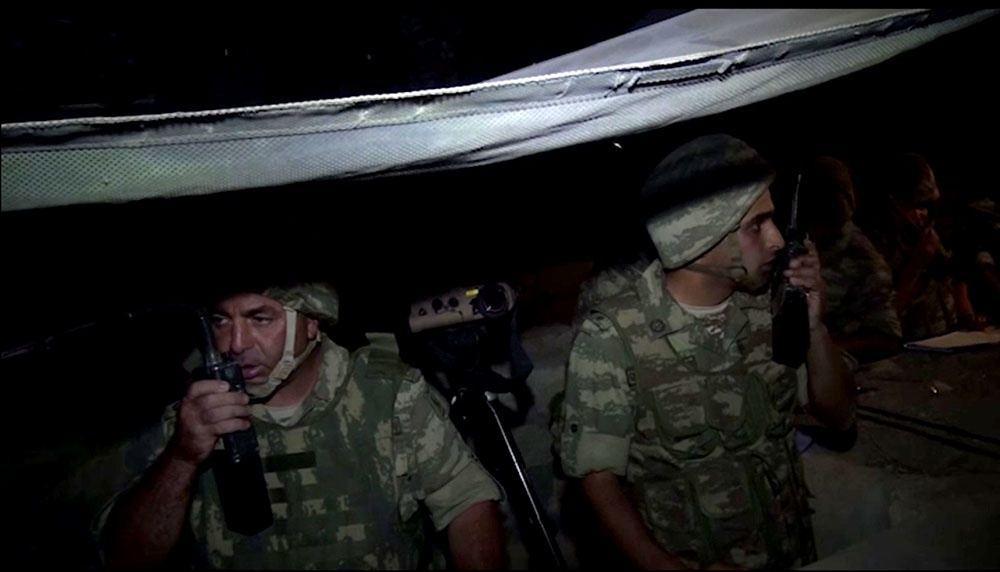 Ночные учения азербайджанской армии в прифронтовой зоне