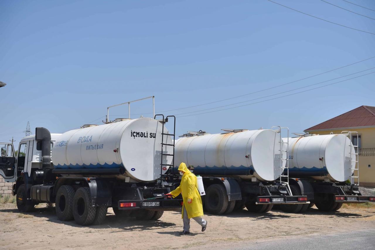 Для разрешения проблемы с питьевой водой в Нефтчале установлены водные резервуары