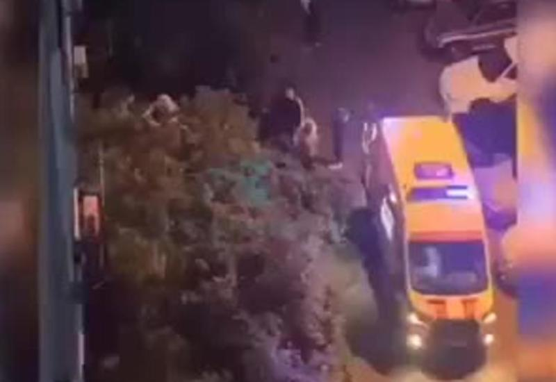 В России мужчина выпал из окна 9-го этажа и остался жив