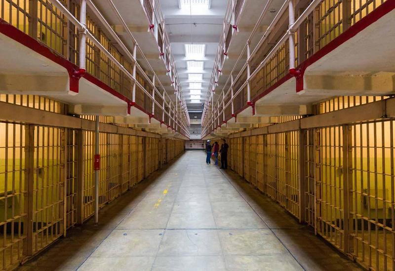 В Азербайджане в период пандемии около тысячи осужденных освобождены досрочно