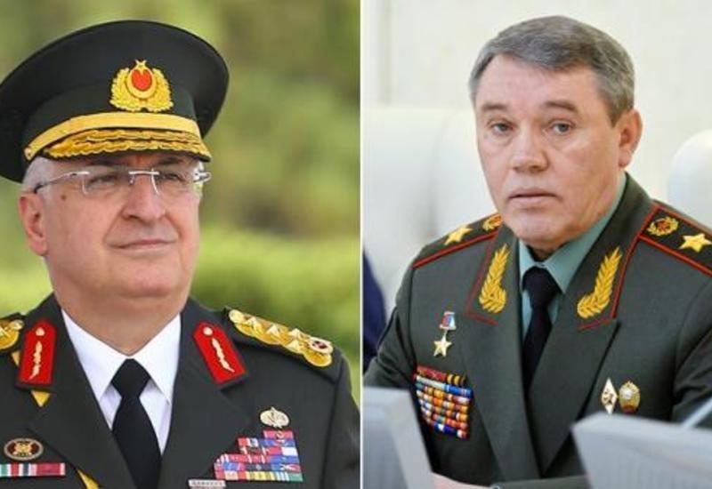 Главы Генштабов Турции и России обсудили ситуацию в Сирии и Ливии