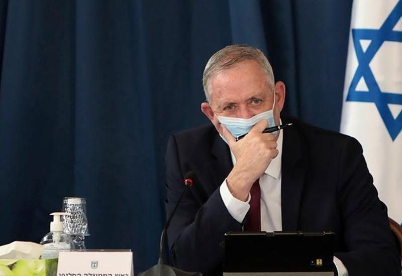 Министр обороны Израиля помещен в карантин с подозрением на коронавирус