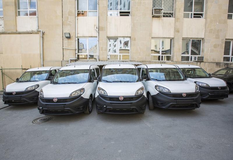 Таможенникам Азербайджана передано 10 автомобилей