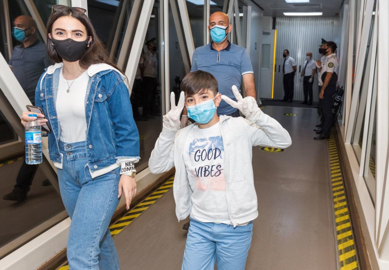 AZAL выполнил чартерный рейс из Киева