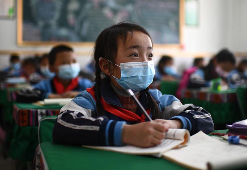 В Гонконге из-за коронавируса снова закроются школы