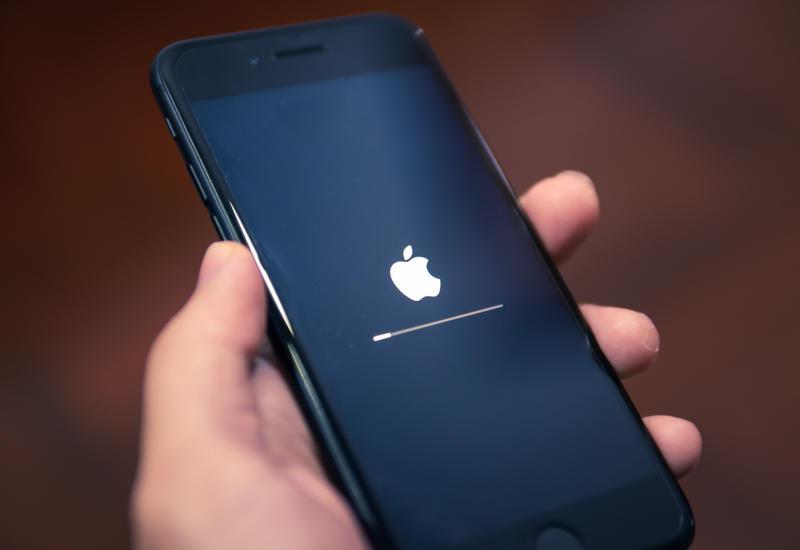 В приложениях на айфонах по всему миру произошел масштабный сбой