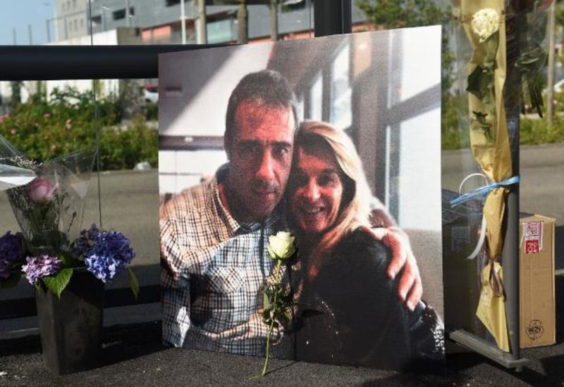 Умер водитель автобуса, которого во Франции избили за просьбу надеть маски