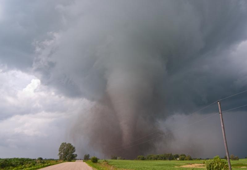 В США бушуют мощные торнадо, есть жертвы