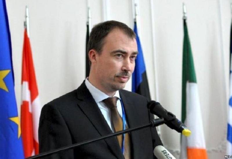 Спецпредставитель ЕС: Происходящее на границе Азербайджана и Армении вызывает обеспокоенность