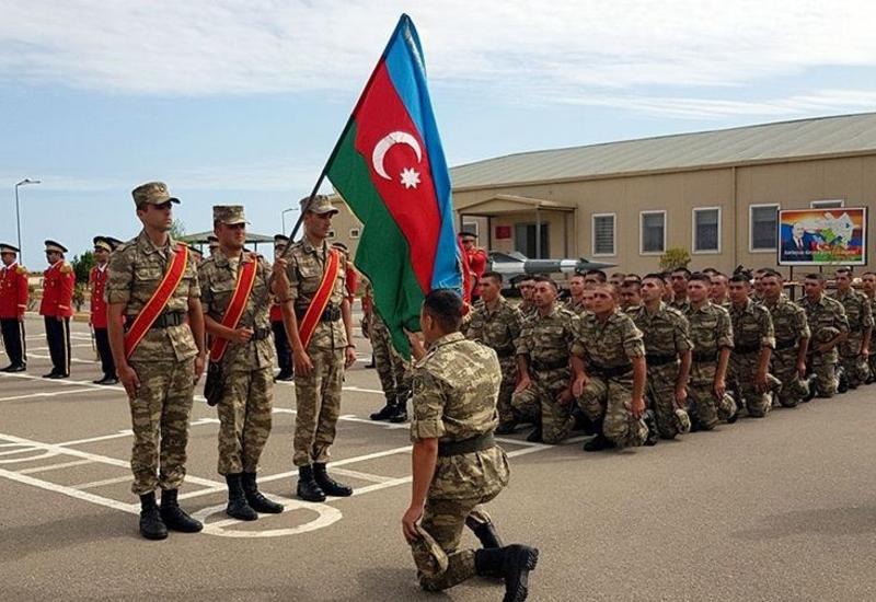 Творческие деятели Азербайджана записываются для прохождения военной службы на добровольной основе