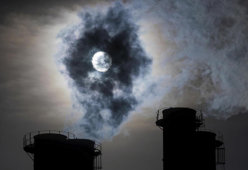 Нефтегазовые гиганты поставили цель снизить выбросы парниковых газов