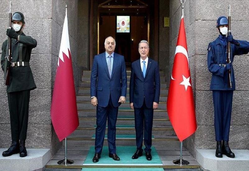 Главы минобороны Турции и Катара обсудили сотрудничество