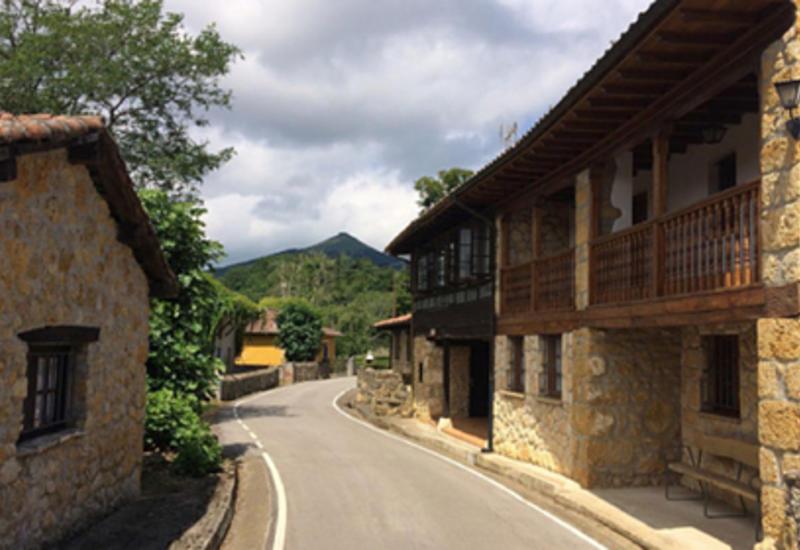 Деревню в Испании выставили на продажу с огромной скидкой
