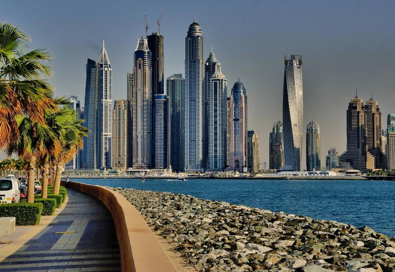 ОАЭ объявили об обязательном тесте на COVID-19 для авиапассажиров