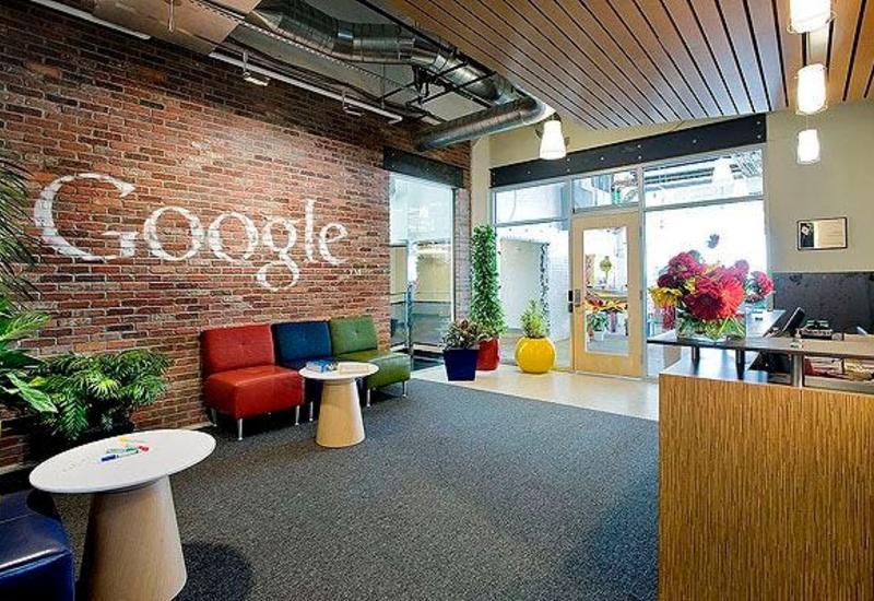 Google разрешила сотрудникам работать из дома еще год