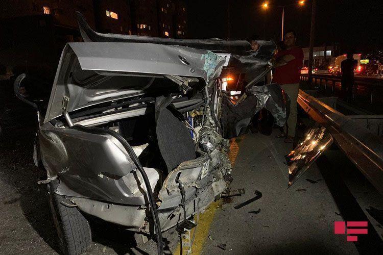 Тяжелое ДТП на трассе Баку-Сумгайыт, есть пострадавшие