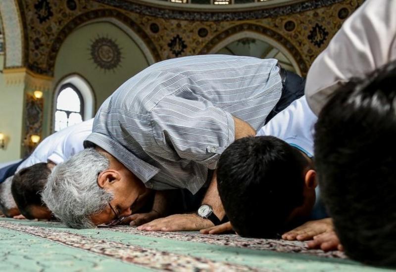 УМК о проведении праздничного намаза в мечетях на Гурбан байрамы
