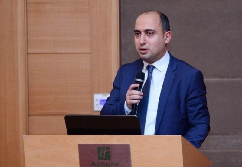 Эмин Амруллаев о приостановке дистанционного обучения