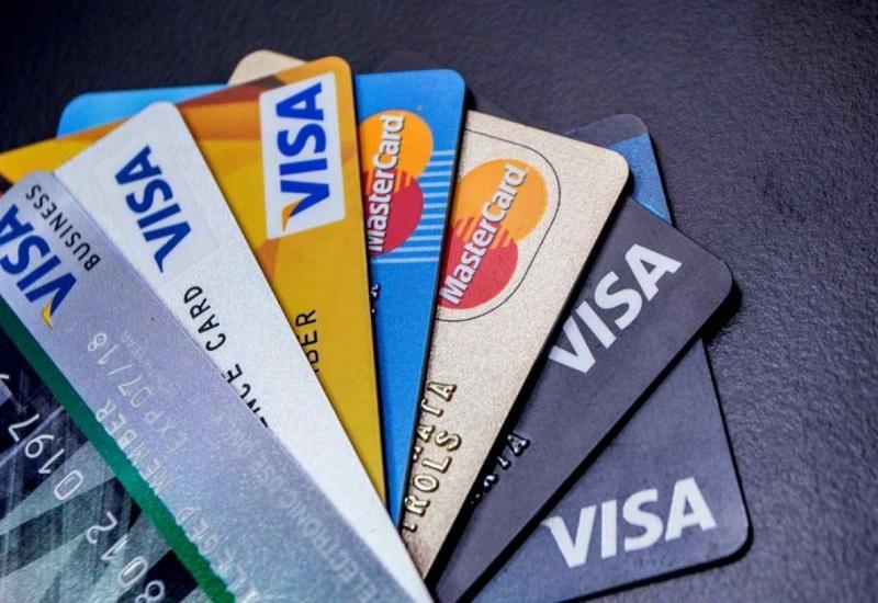 В США могут начать расследование против Visa и Mastercard