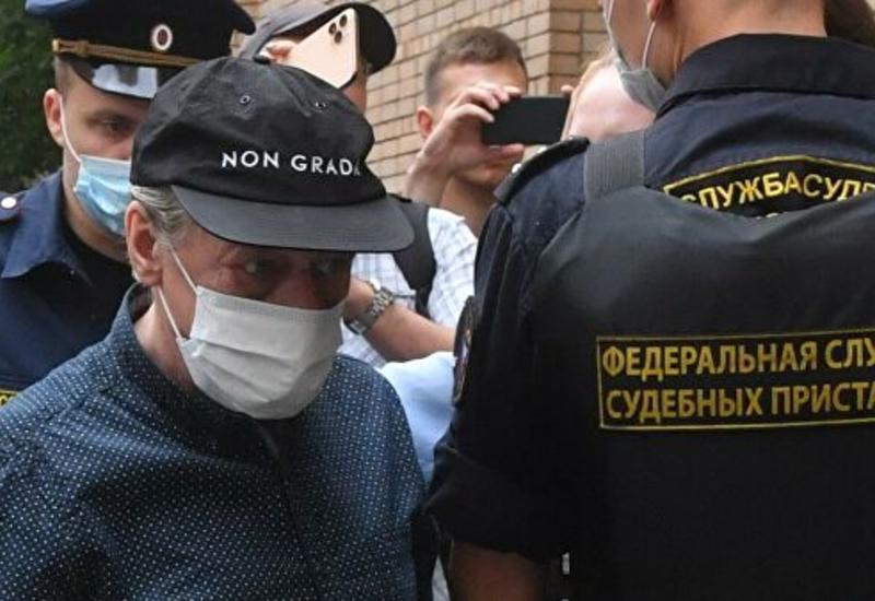 Михаила Ефремова доставили в суд