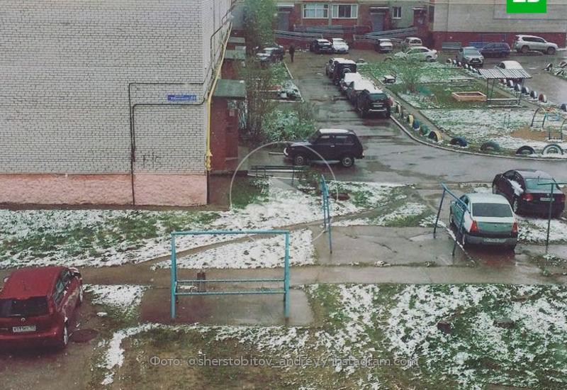 В Москве пошел снег