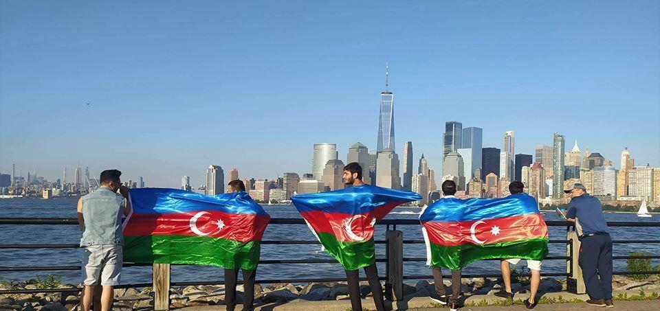 """В небе над Нью-Йорком появилась надпись """"Карабах - это Азербайджан!"""""""
