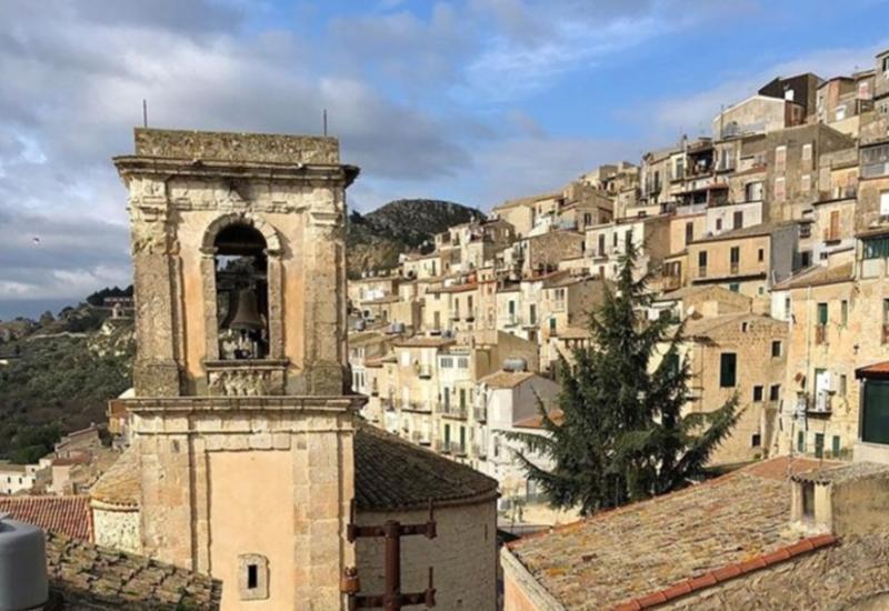 Опубликованы кадры домов «за 1 евро» в Италии