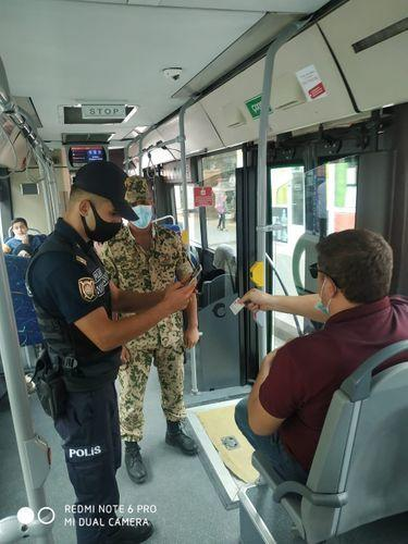 В Баку оштрафованы лица за отсутствие маски и несоблюдение социальной дистанции