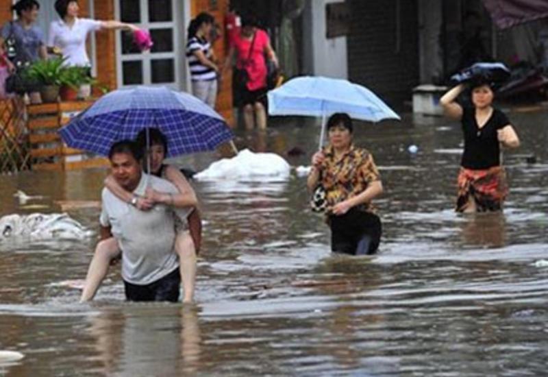 В Южной Корее из-за сильных дождей шесть человек погибли и восемь пропали без вести