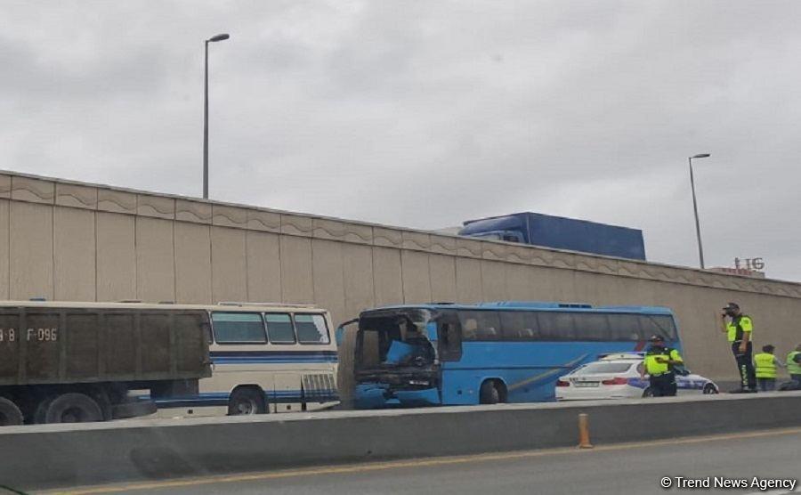 В Баку столкнулись два автобуса