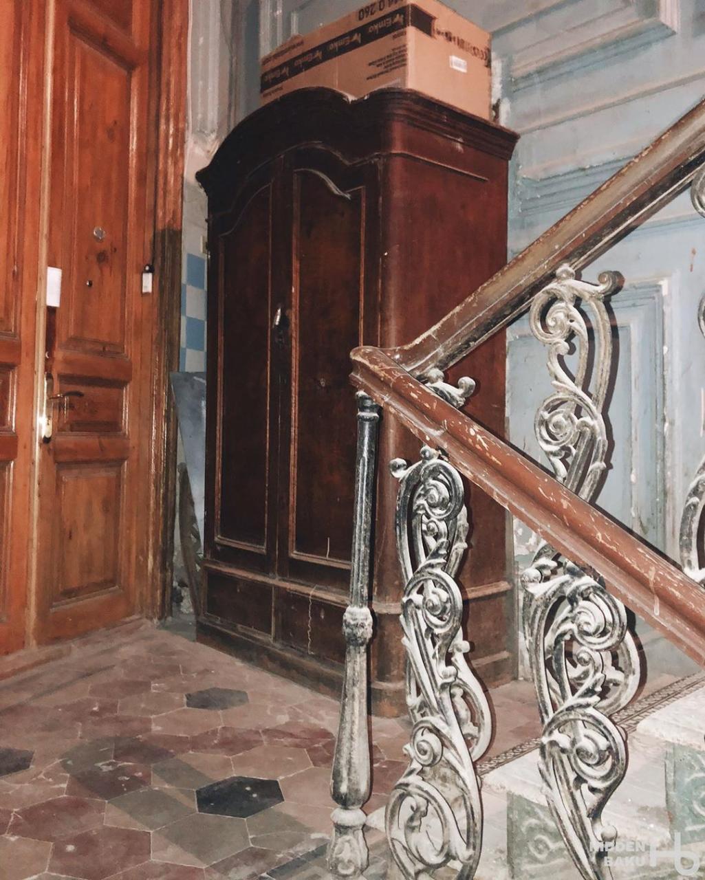 Кадры доходного дома в Баку нефтепромышленника Дмитрия Митрофанова