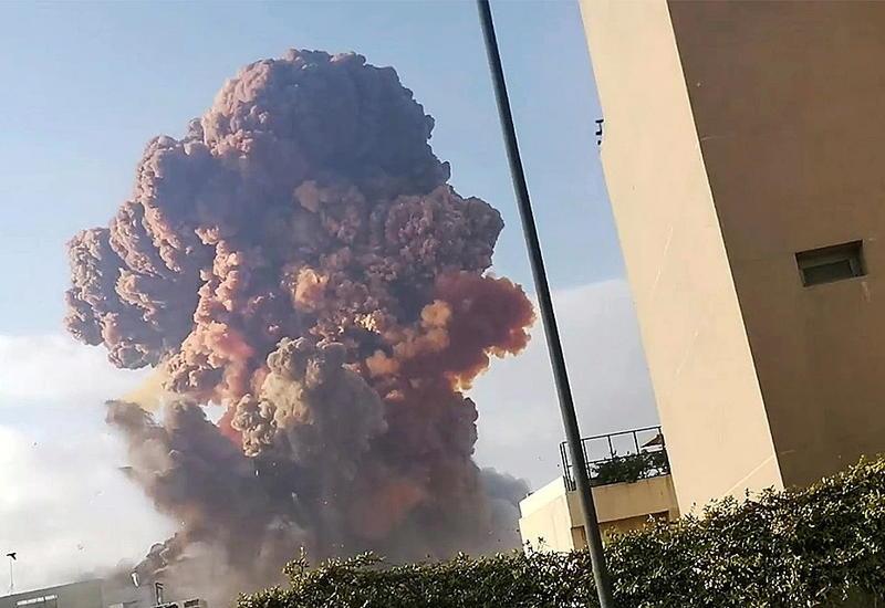 Очевидец заснял вблизи момент взрыва в Бейруте