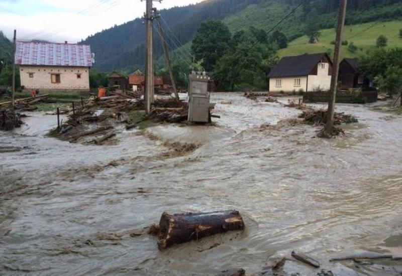 Проливные дожди нанесли ущерб домам и хозяйствам в Шеки