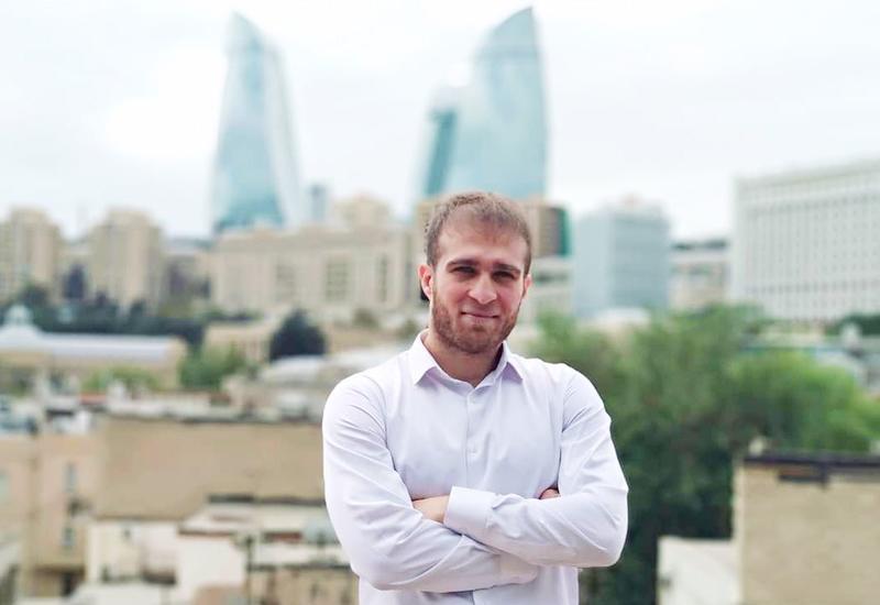 Азербайджанский поэт признан лучшим в России