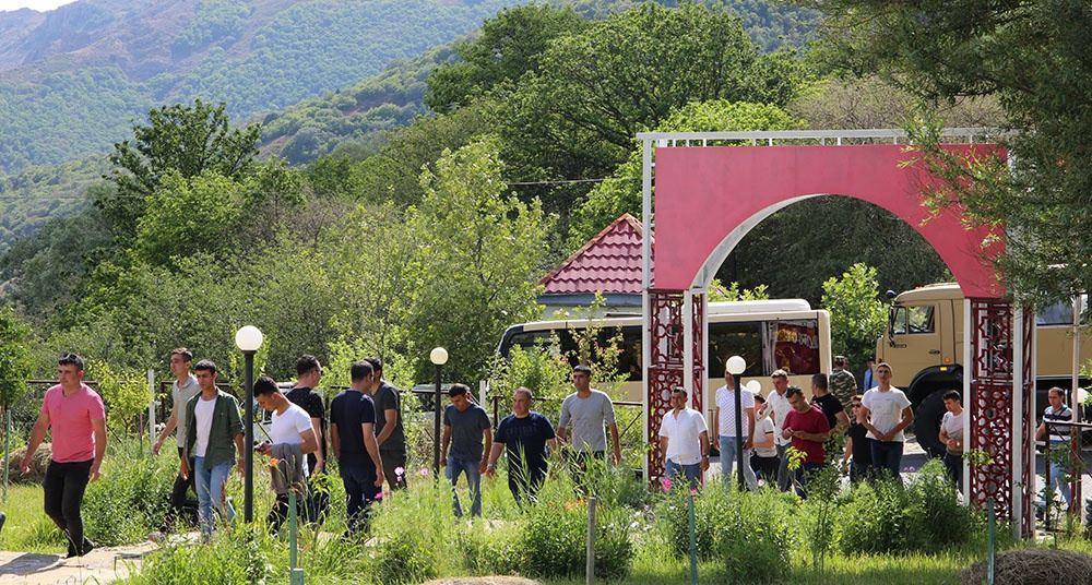 В праздничные дни для участвующих в учениях в Азербайджане военнослужащих был организован отдых
