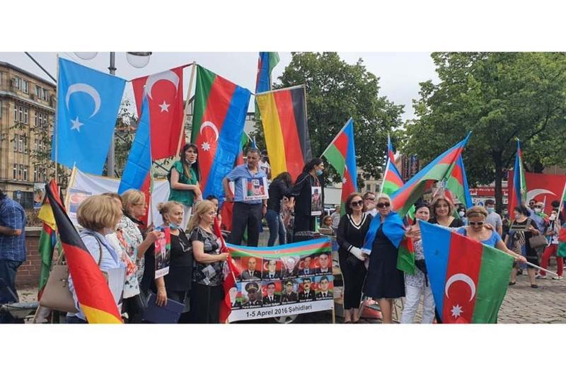 Армян за границей разгневало не только военное поражение, но и сплоченная активность нашей диаспоры