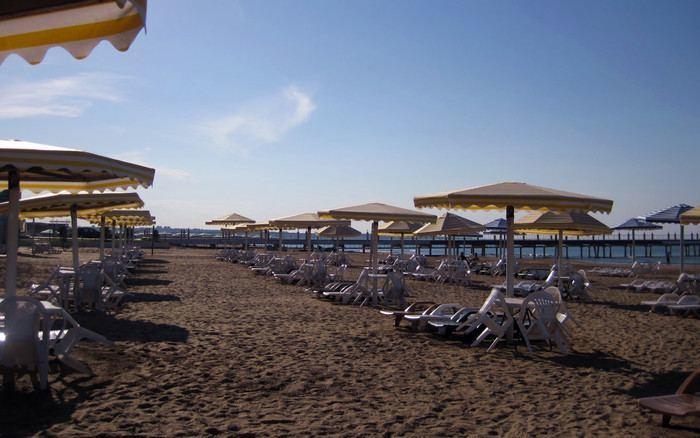 Кадры с благоустроенных пляжей Азербайджана