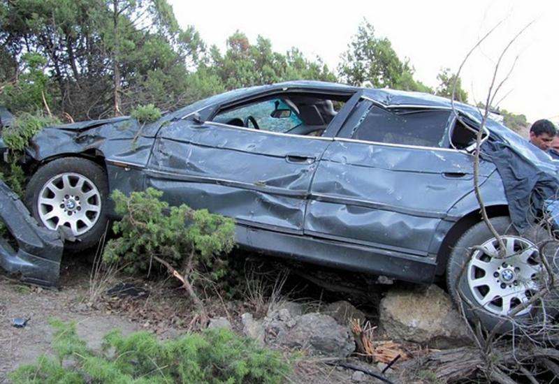 В Армении автомобиль с военными слетел в обрыв